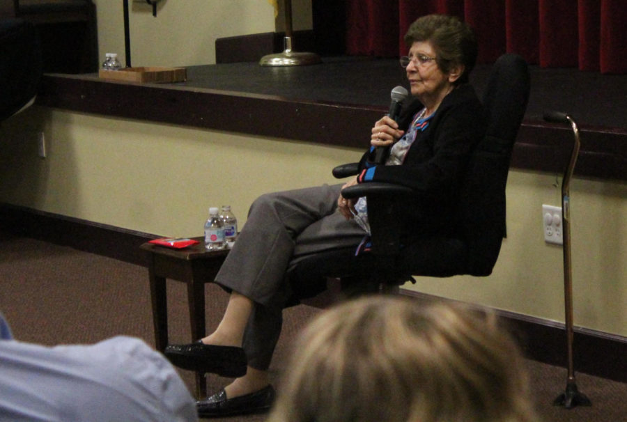 Holocaust+survivor+Rena+Finder+shares+her+story+with+the+middle+school+students.