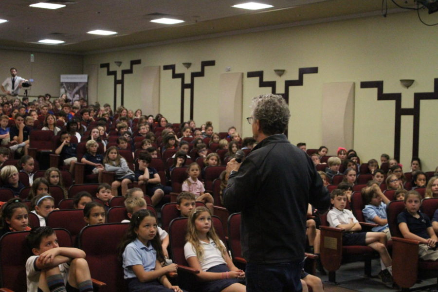 Ridley Pearson talks to a full house of students in the Barker Performing Arts Center on April 9.