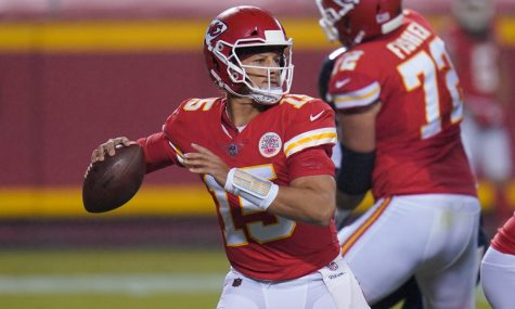 Kansas City Chiefs quarterback Patrick Mahomes throws a pass against the Houston Texans during the teams
